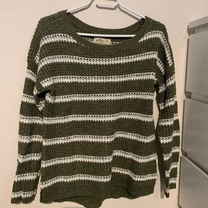 hollister green and white sweater